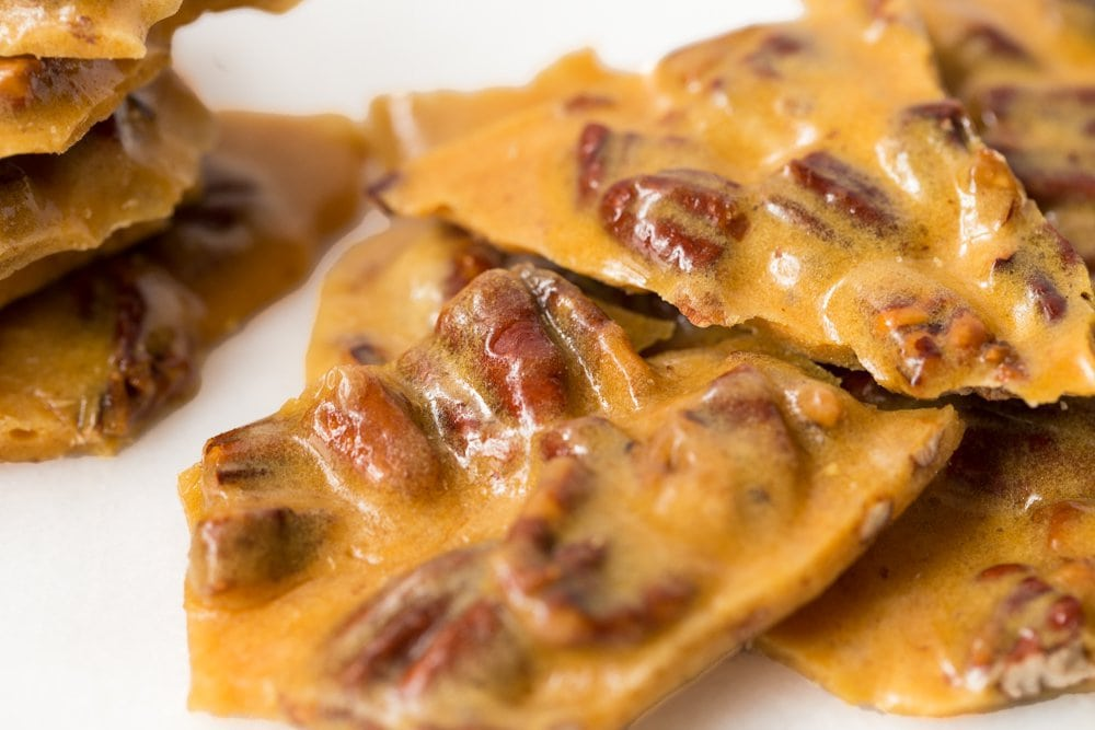 This 15-Minute Microwave Pecan Brittle is crazy good, super easy and (don't say you weren't warned) also ridiculously addictive! www.thecafesucrefarine.com