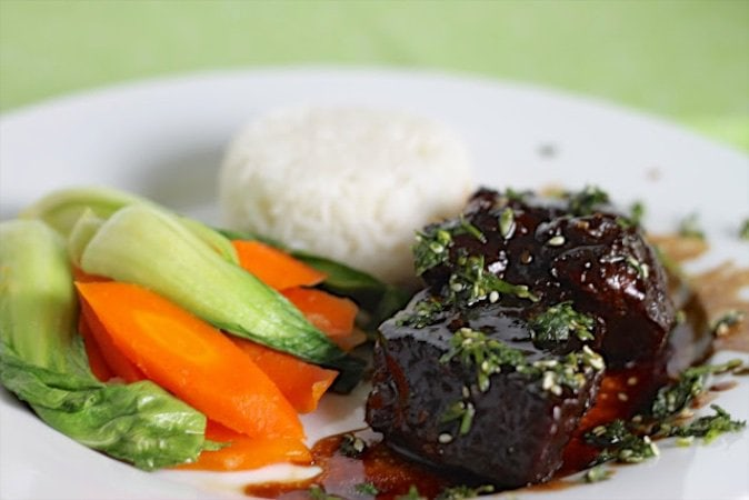 Korean Beef Short Ribs with Perfect Jasmine Rice are fork-tender Asian short ribs, slow roasted with a sweet, flavorful sauce with hints of ginger, soy, garlic and sesame.