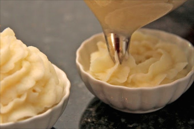Roasted Garlic Parsnip Mashed Potatoes are full of wonderful, seasonal flavor. The special presentation technique takes these over the top!