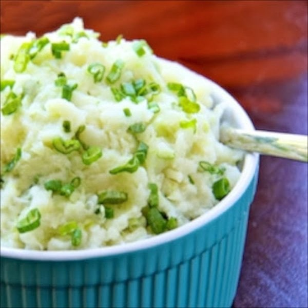 This Irish Colcannon is a wonderful, hearty traditional Irish peasant food, usually combining cabbage and scallions with classic mashed potatoes. Enjoy!