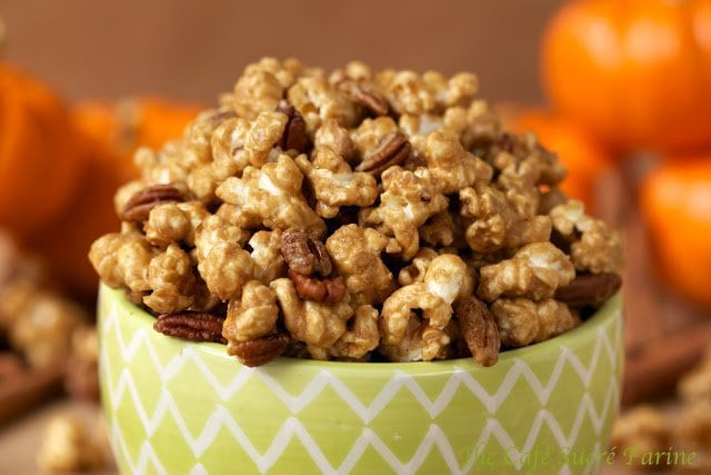 Pumpkin Pie Caramel Corn - Super easy, crazy good caramel corn with the flavor of your favorite Thanksgiving pie! It's made in the microwave and comes together so fast, it's dangerous!