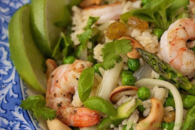 Thai Shrimp and Asparagus Fried Rice is simple, super quick, make ahead, versatile, gorgeous, fresh, sensationally delicious! Need we say more?