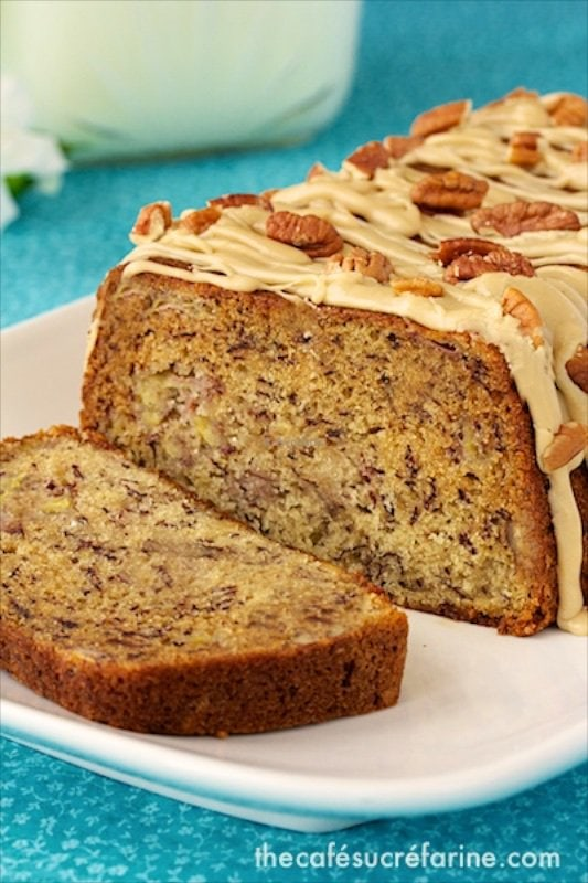 This Banana Pecan Bread with Caramel Drizzle is so versatile. For breakfast, brunch, afternoon tea, dessert or late-night-sweet-attack-snack. Delicious!
