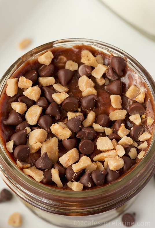 Rocky Road Toffee-Fudge Jars - These little desserts are delicious, decadent and portable!