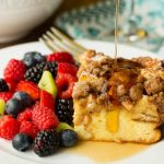 Cinnamon Apple French Toast Casserole - crazy delicious overnight casserole. Prep it at night and in the morning, breakfast is easy peasy!