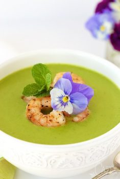 Asparagus and Shrimp Coconut Curry Soup - a delicious and super healthy way to celebrate asparagus season!