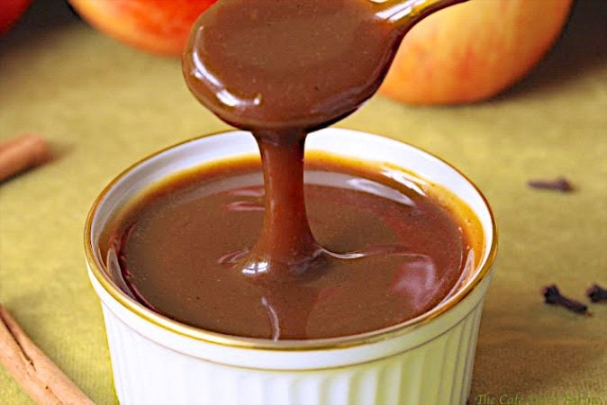 This Autumn Spiced Apple Cider Caramel Sauce is a sweet, rich, smooth, buttery, creamy caramel sauce. The tart, bright and fresh apple flavor is amazing!