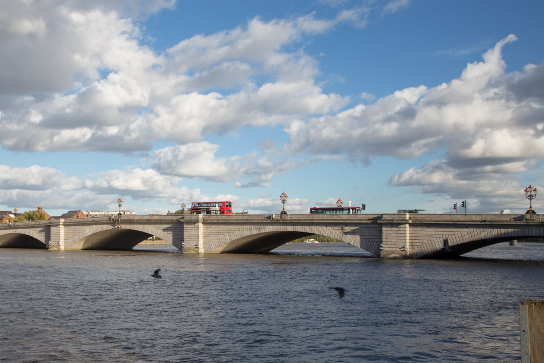 Biking on the Thames