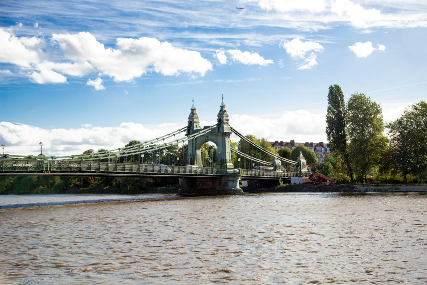Photo of the Hammersmith Bridge over the Thames River in London, England