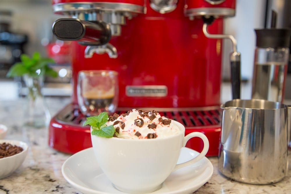 Copycat Starbucks Peppermint Mocha - love this delicious seasonal Starbucks drink? Save money and make your own! www.thecafesucrefarine.com