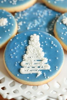 Close up vertical picture of easy decorated Christmas cookies