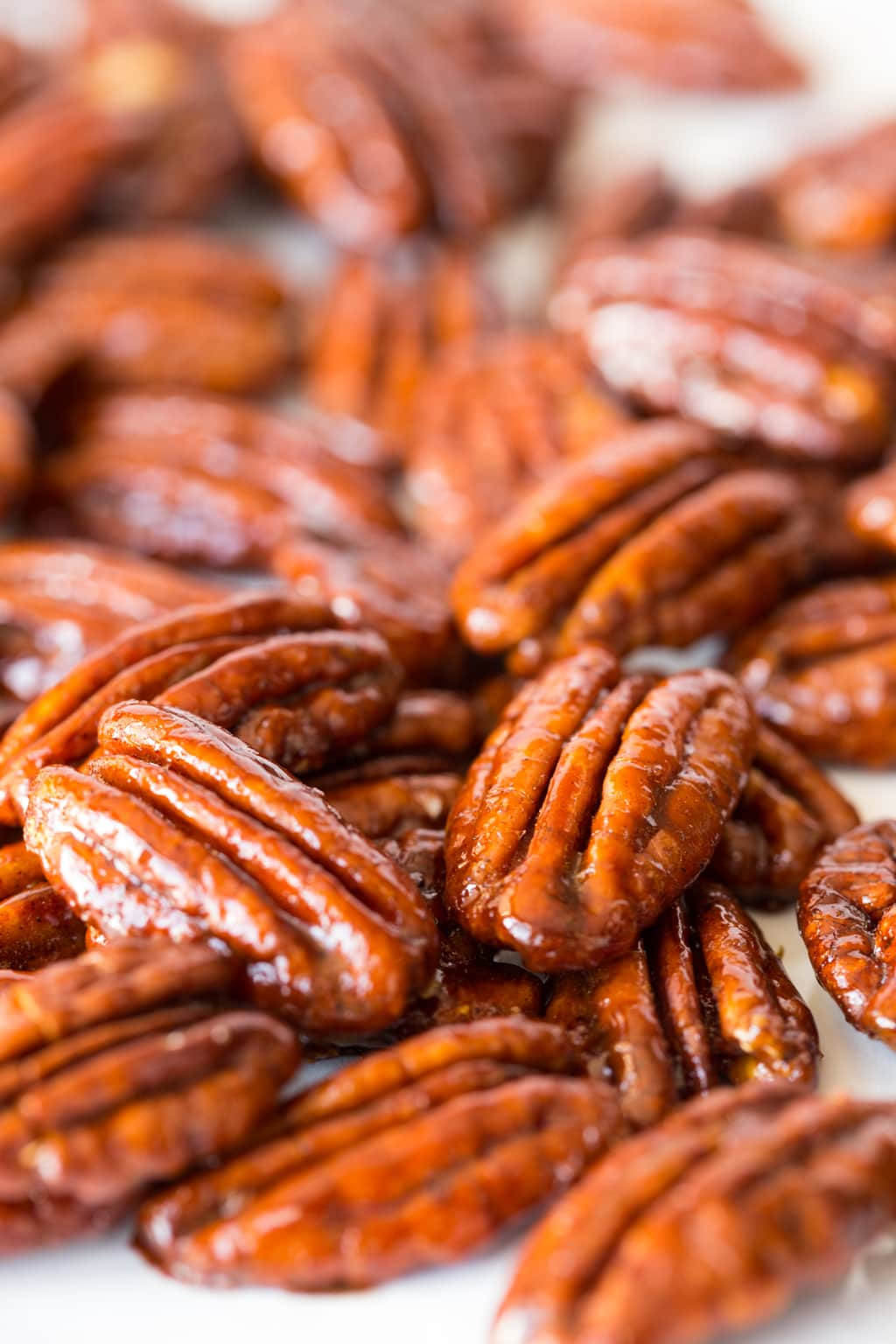 Maple Molasses Glazed Pecans - super easy and crazy delicious, these pecans are super delicious and fabulous as a snack or cocktail nibble, on salads, or desserts ... and they make a wonderful gift too! thecafesucrefarine.com
