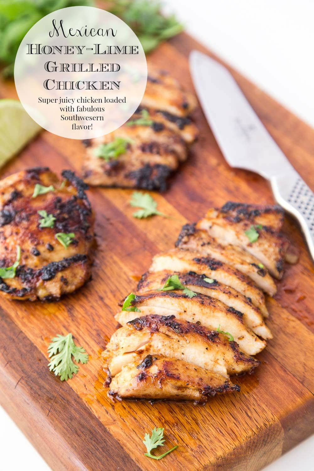 No worries about dry chicken! This Mexican Honey Lime Grilled Chicken stays moist, tender and full of fabulous Southwest-inspired flavor! #mexicanchicken, #grilledchicken, #honeylimechicken
