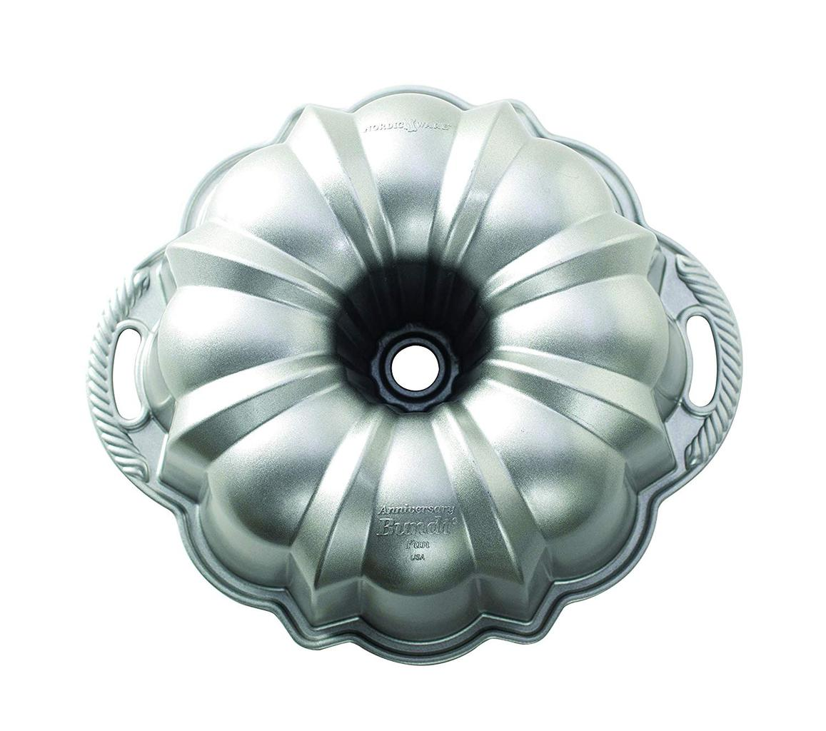 Stock shot of an Anniversary Bundt cake pan.