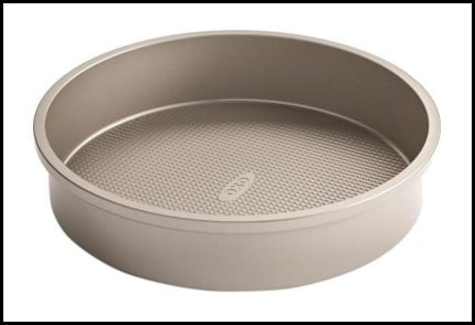 Stock photo of an Oxo cake pan.