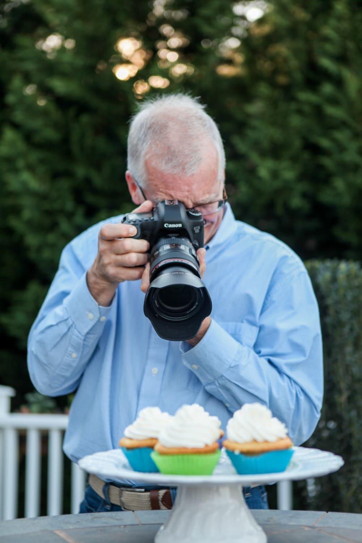 Scott Photographing
