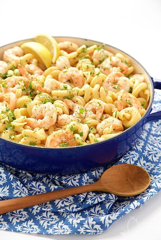 Skillet Shrimp and Pasta Scampi - a one pot, easy, 45-minute weeknight dinner that's delicious and elegant enough for a dinner party! thecafesucrefarine.com
