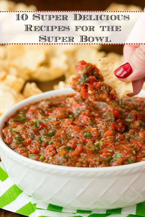 Our favorite Super Bowl party food, perfect for sharing with a crowd. These delicious recipes are sure to please!#superbowl #gamedayfood